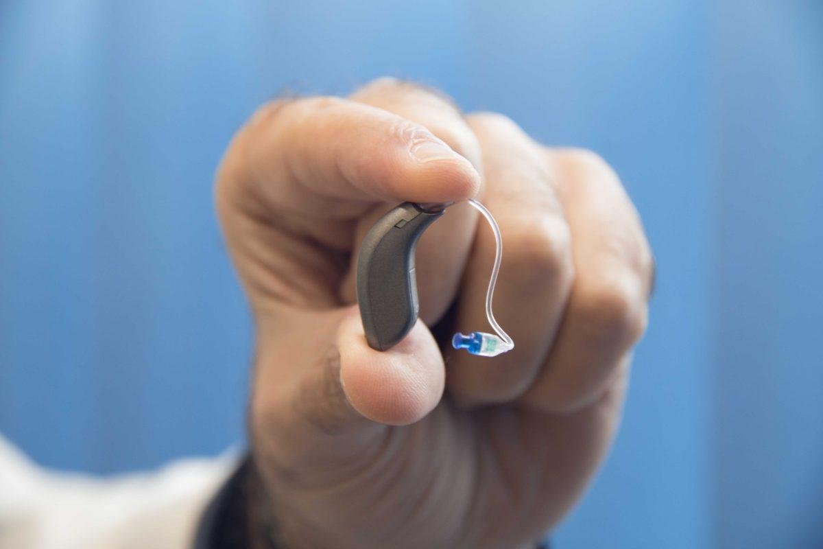 La venta de audífonos con garantía de adaptación
